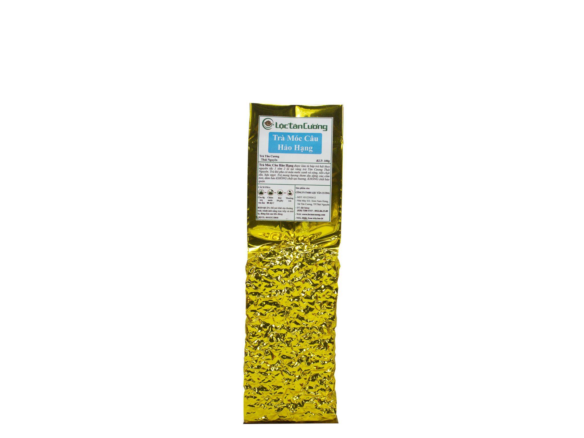 Trà móc câu hảo hạng 100gr Lộc Tân Cương được đóng gói trong túi thiếc PE và hút chân không giúp cánh trà không bị gãy nát và bay hương