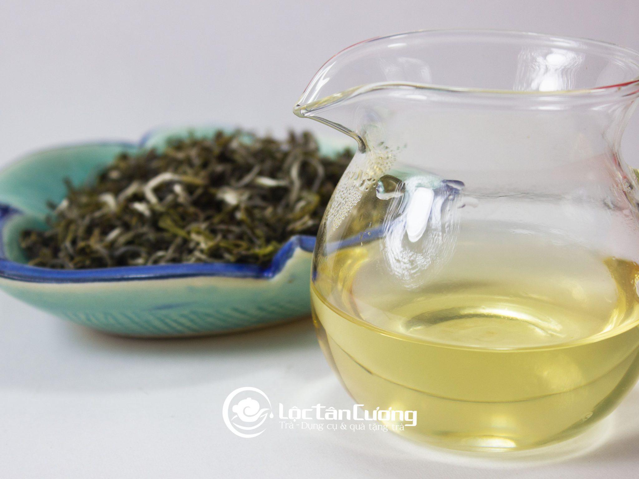 Trà cổ thụ Tà Xùa có màu nước vàng sánh như mật ong