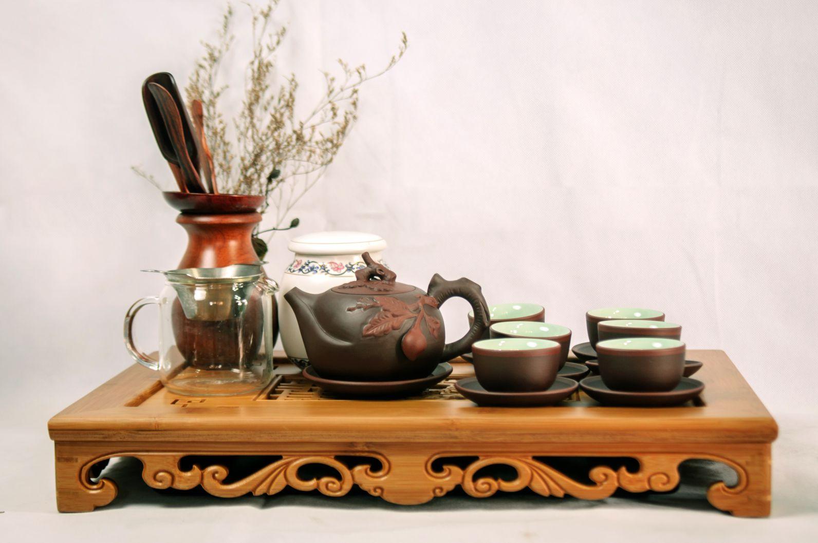 Khả năng giữ nhiệt và lưu hương của ấm trà bát tràng cao cấp rất cao nên giúp nước trà pha ra vô cùng ngon