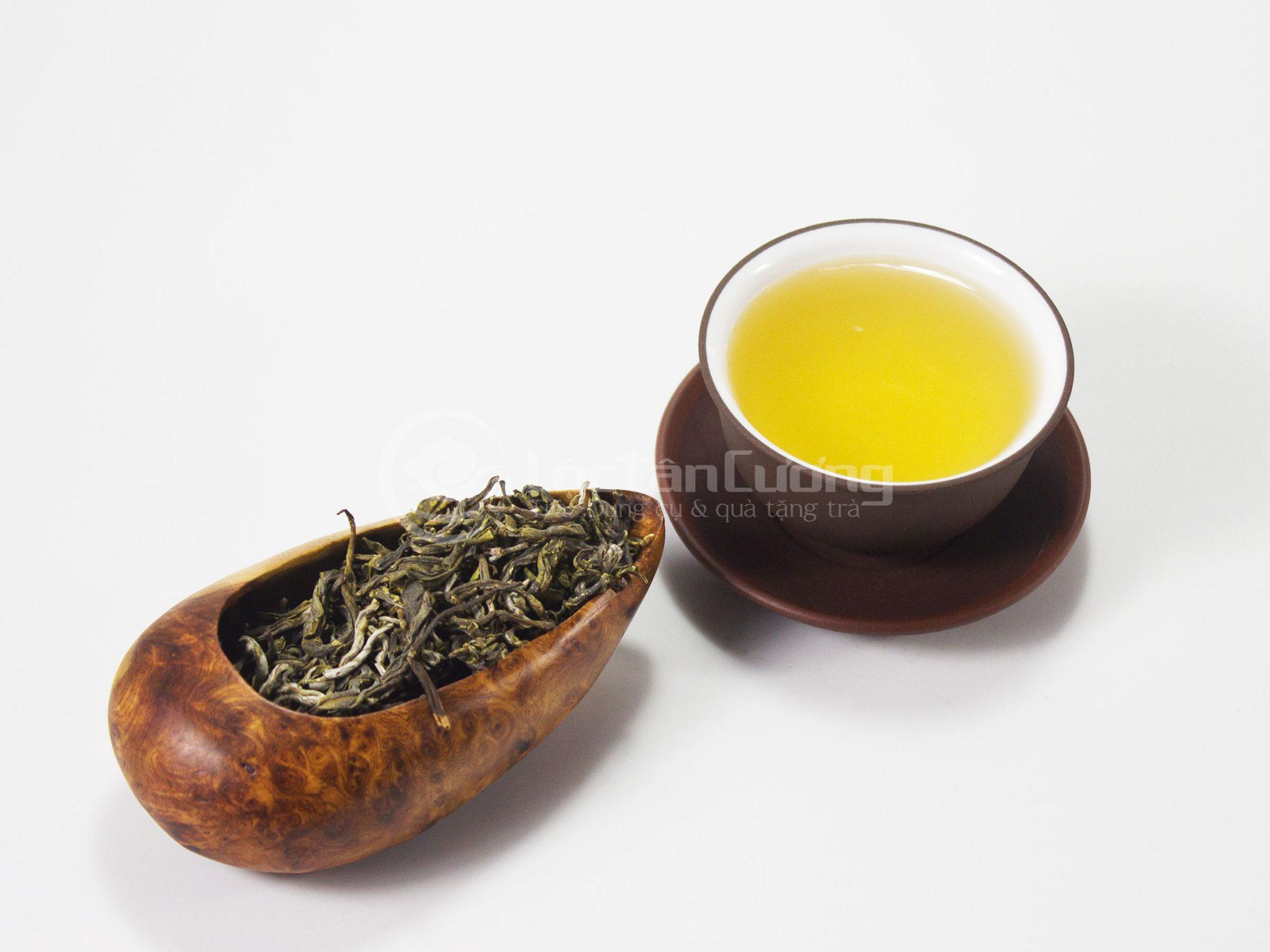 Màu nước của trà shan tuyết Tà Xùa sao chảo