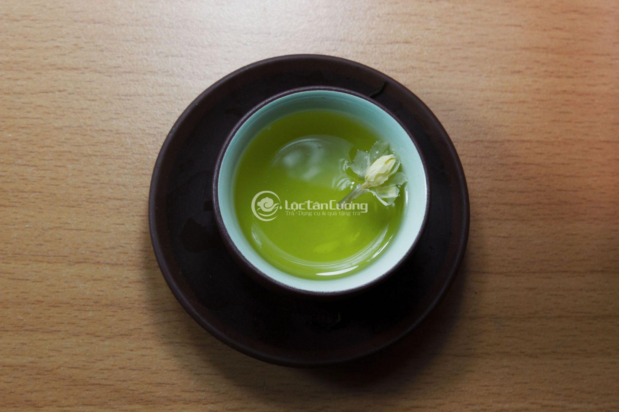 Trà lài mang lại rất nhiều lợi ích của trà xanh và hoa lài tươi