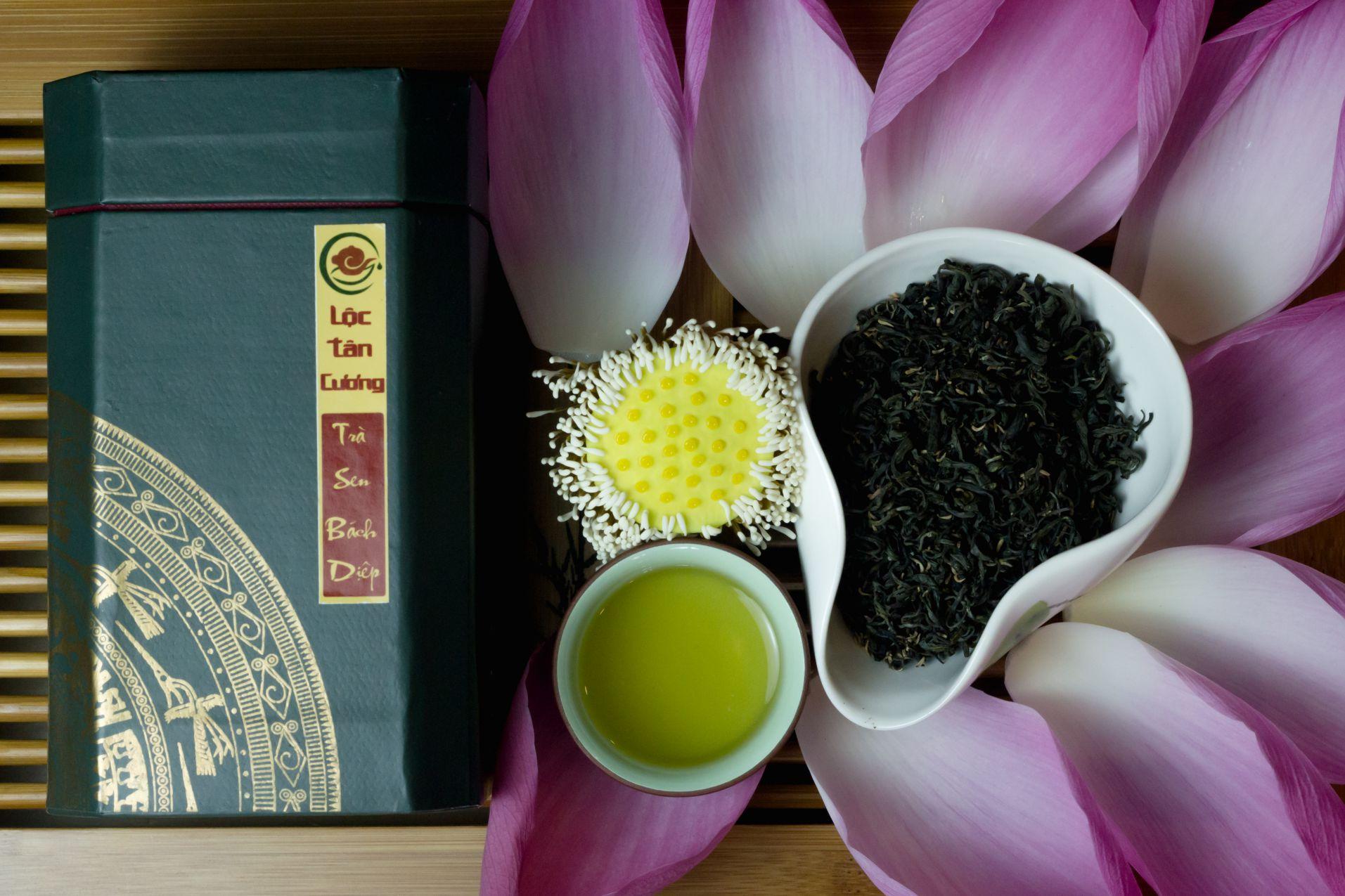 Ai đã từng thưởng thức trà sen Tây Hồ một lần thì chắc chắn không thể quên được hương vị của loại trà này
