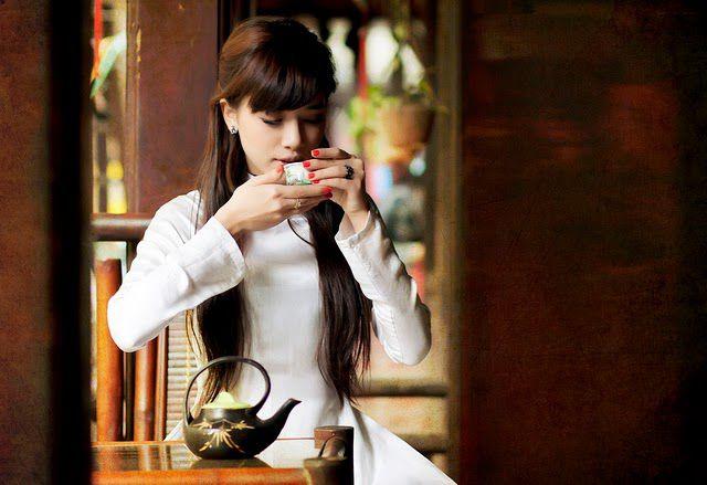 Buổi sáng là lúc thích hợp nhất để thưởng thức trà sen