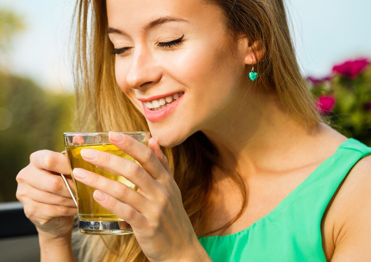 Hoa mộc có tính nóng rất phù hợp để giải cảm và bồi bổ sức khỏe