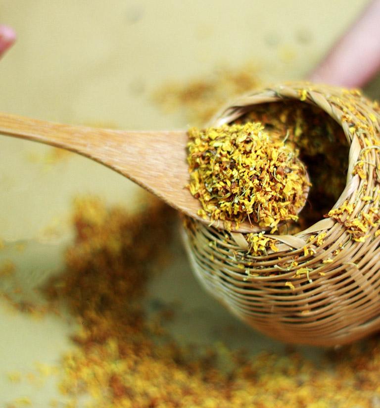 Hoa mộc có thể kết hợp với nhiều nguyên liệu khác nhau để tăng dược tính và hương vị