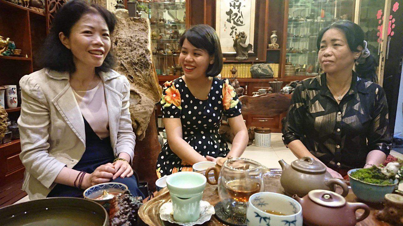 Trà gắn liền với cuộc sống của mỗi gia đình Việt, là thứ gắn kết tình thân, bạn bè, tri kỉ