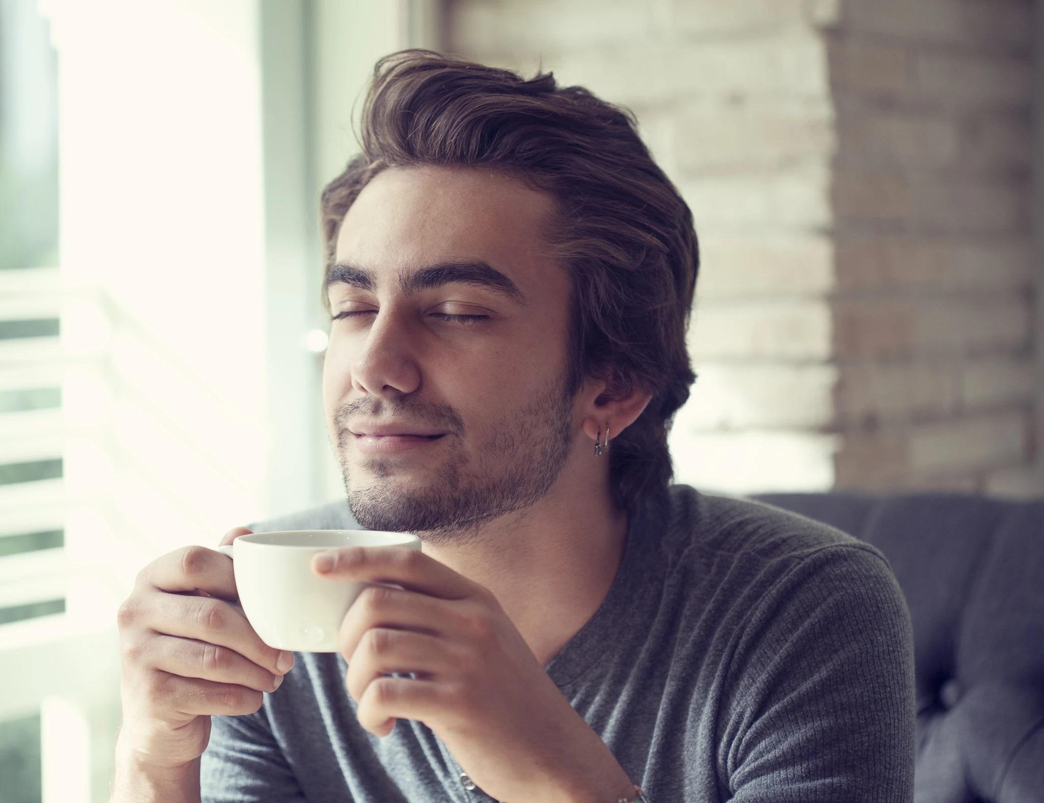 một tách trà sen có khả năng loại bỏ căng thẳng, tăng cường trí nhớ rất tốt
