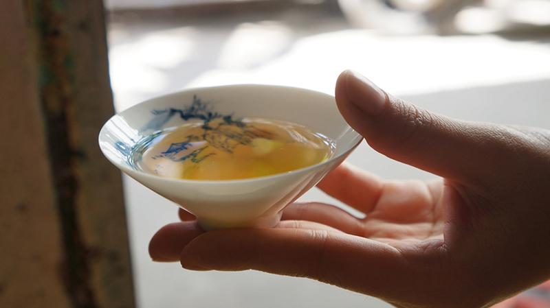 Hoa ngâu vốn là một vị thuốc dân gian, trà hoa ngâu là một thức uống dưỡng sinh rất tốt