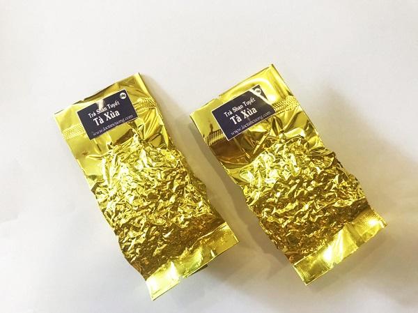 Bên trong hộp trà có 140gr trà là 14 tép trà 10gr để tiện lợi khi thưởng thức