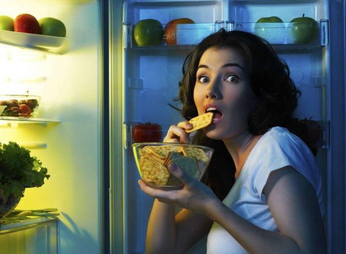 Ăn khuya có thể tích trữ lượng mỡ cao gấp 1,5 lần so vơi buổi sáng