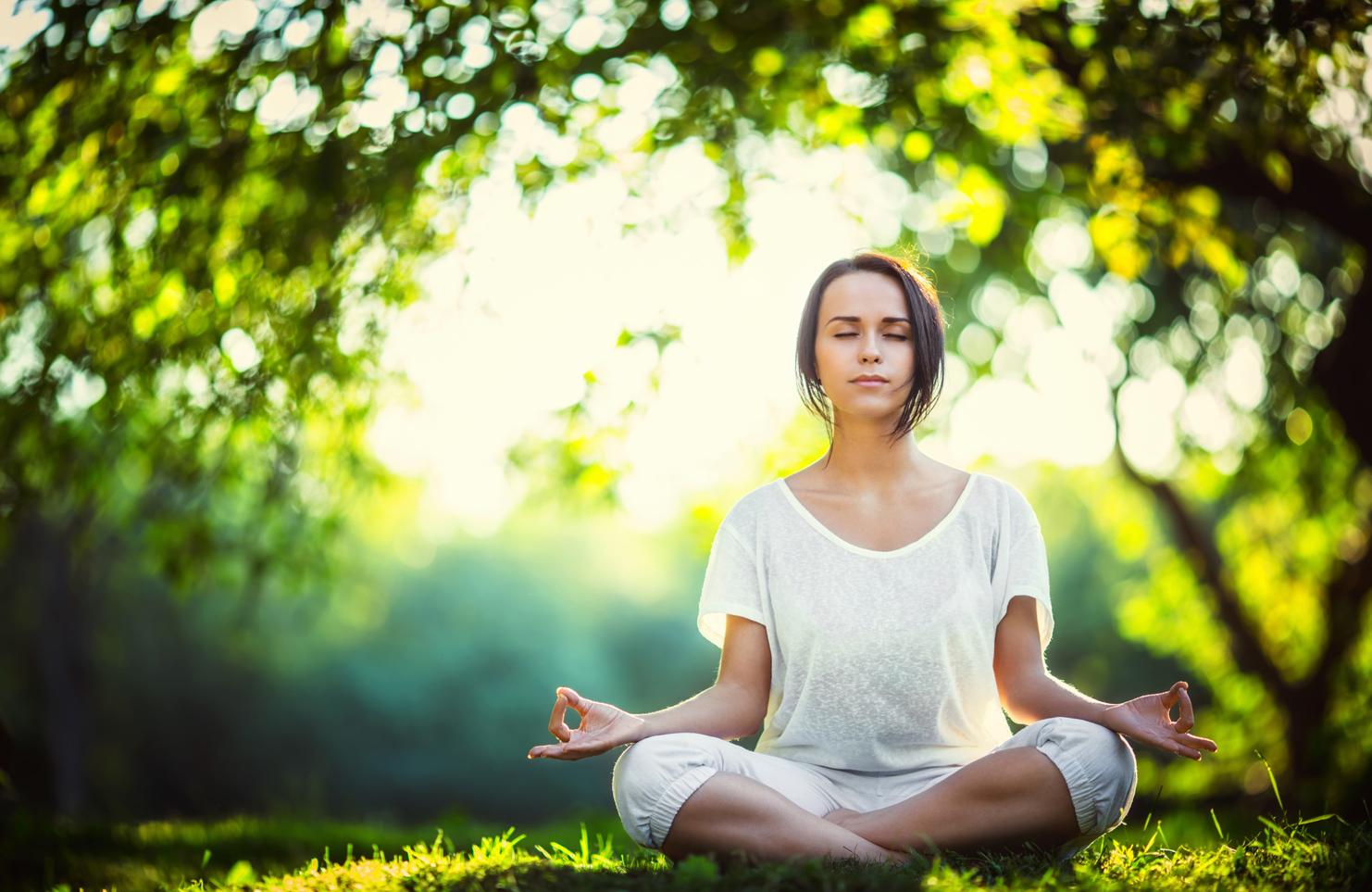 uống trà giảm cân có tác dụng giảm stress cũng là một cách gián tiếp để hạn chế tăng cân