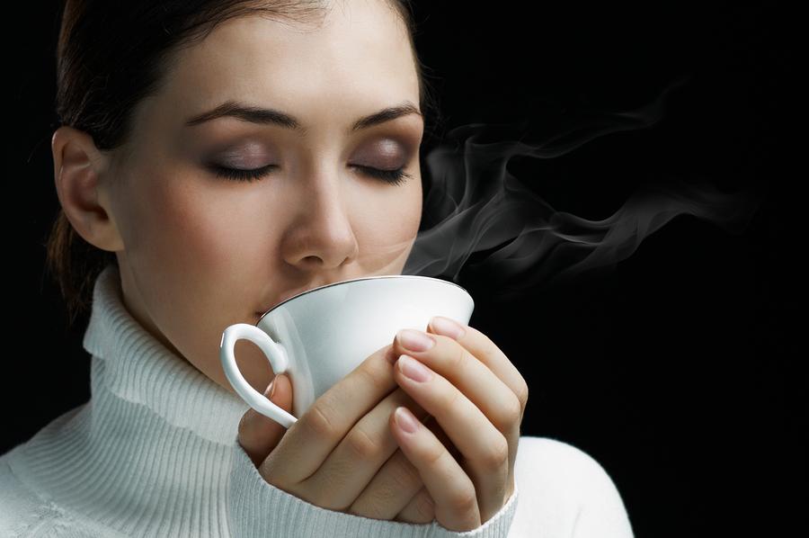 Trước những bữa ăn hãy lấp đầy dạ dày bằng trà để giảm lượng thức ăn đưa vào cơ thể