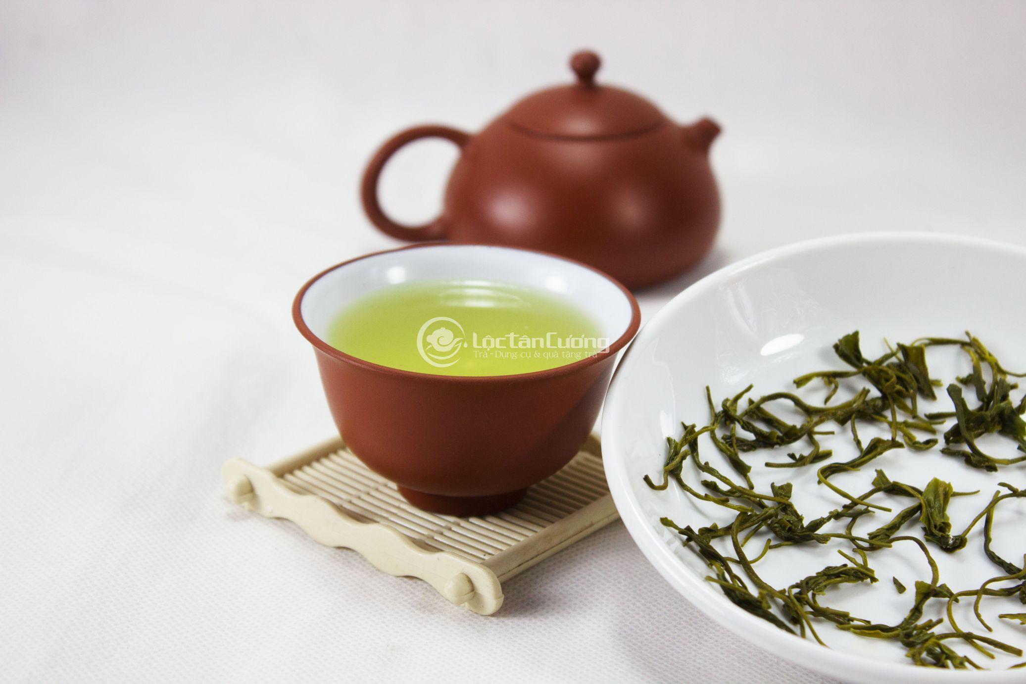 Cách pha trà xanh khô lại đơn giản