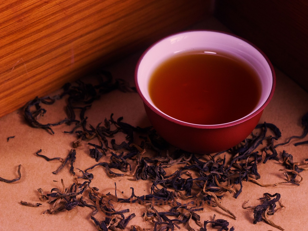 Hồng Trà Hà Giang là thức uống không chỉ thơm ngon mà còn rất tốt cho những người có vấn đề về tiêu hóa, táo bón mà vẫn không lo bị mất ngủ.