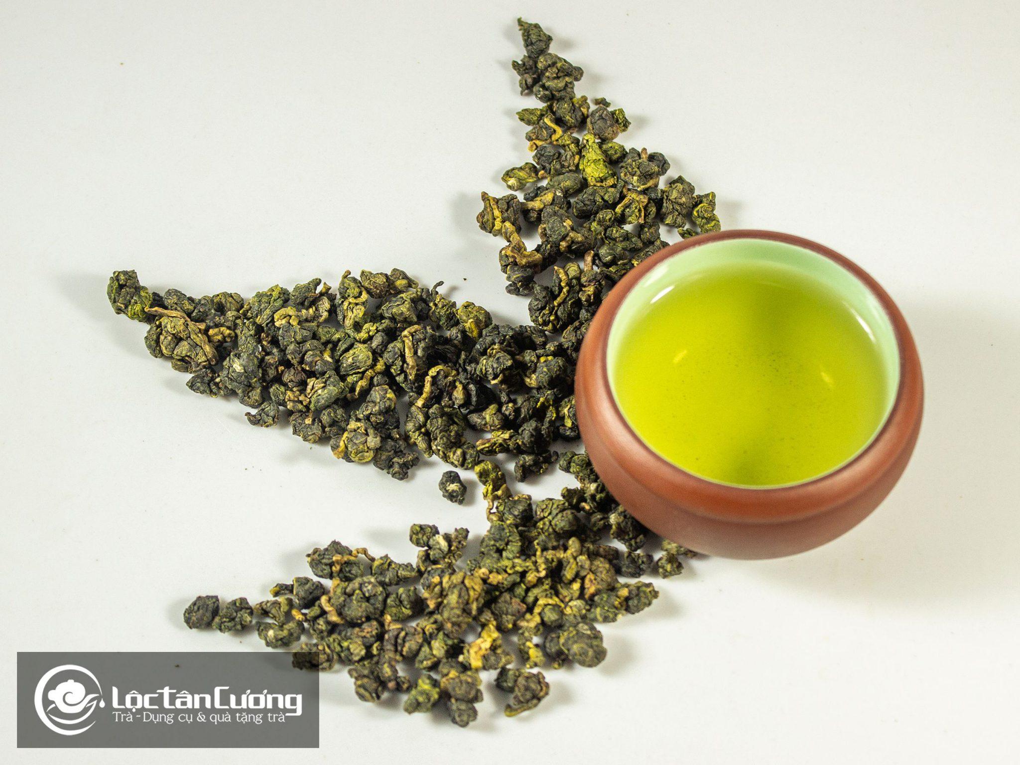Cánh & nước trà ô long Lộc Hương