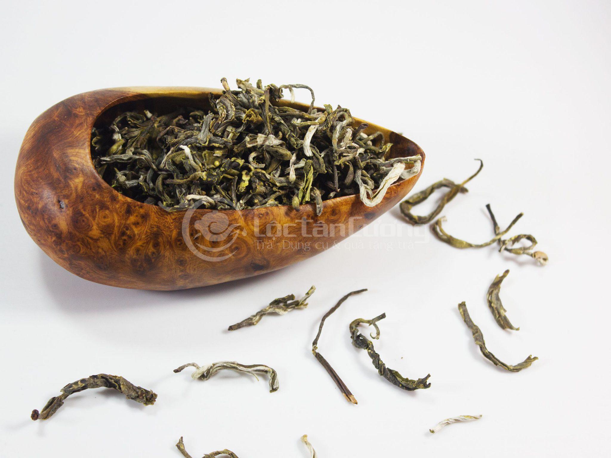 Cánh trà Vân Shan Tà Xùa