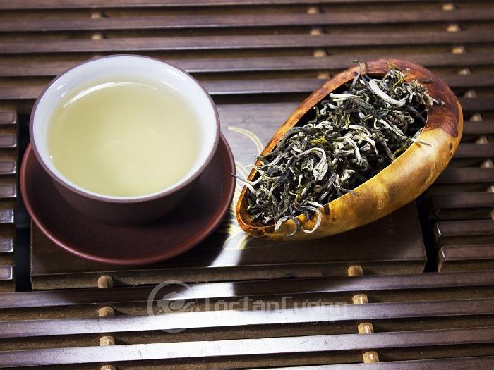 Cánh & nước bạch shan trà Suối Giàng