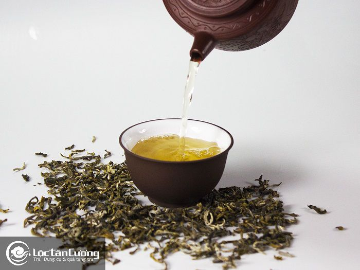 Nước trà sánh vàng như mật ong, hương thơm đậm đà, ngọt ngào đặc biệt mà chỉ Vân Shan Trà Tà Xùa mới có được