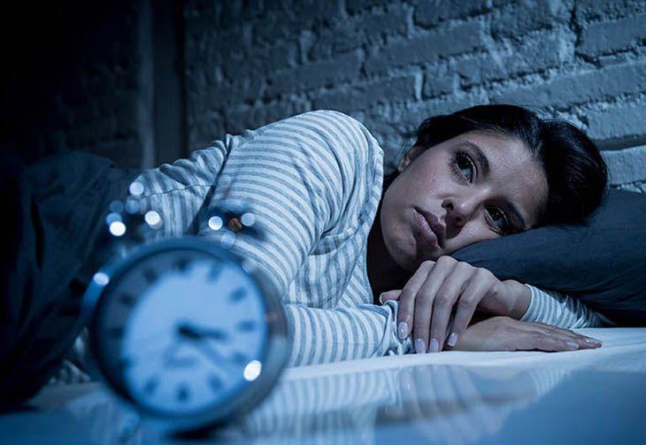 Uống trà hoa nhài không đúng cách sẽ gây ra tác dụng phụ mất ngủ