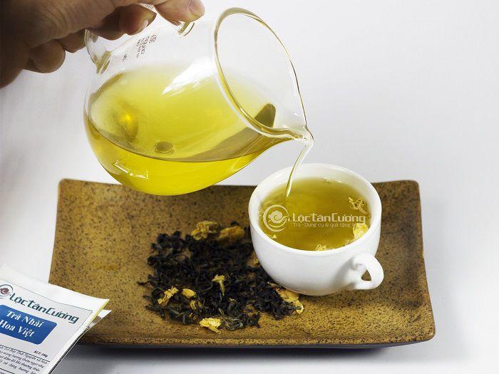 Trà lài được nhiều người yêu thích bởi hương thơm ngọt ngào của hoa lài và vị chát dịu hậu ngọt sâu